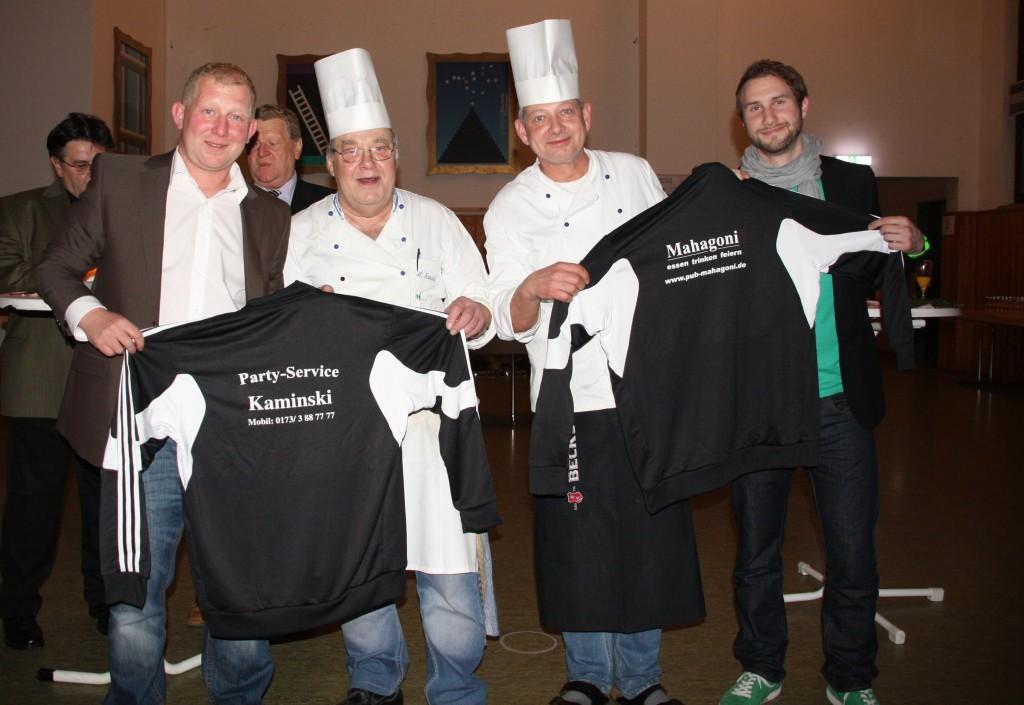 Von links: Die Herren Weber, Kaminski, Sedlmaier und Kornherr bei der Übergabe.